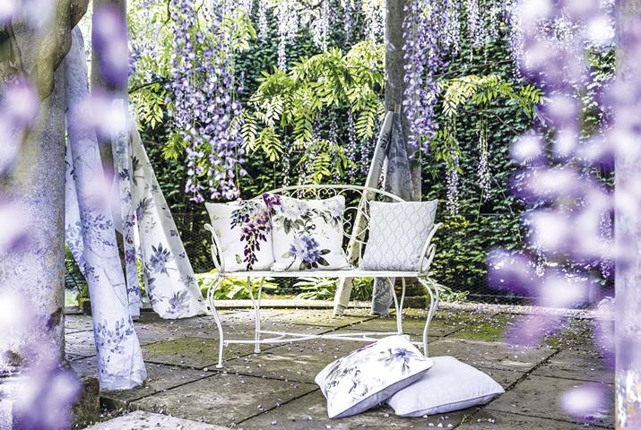sanderson-waterperry-fabrics-carousel-flowers-violet