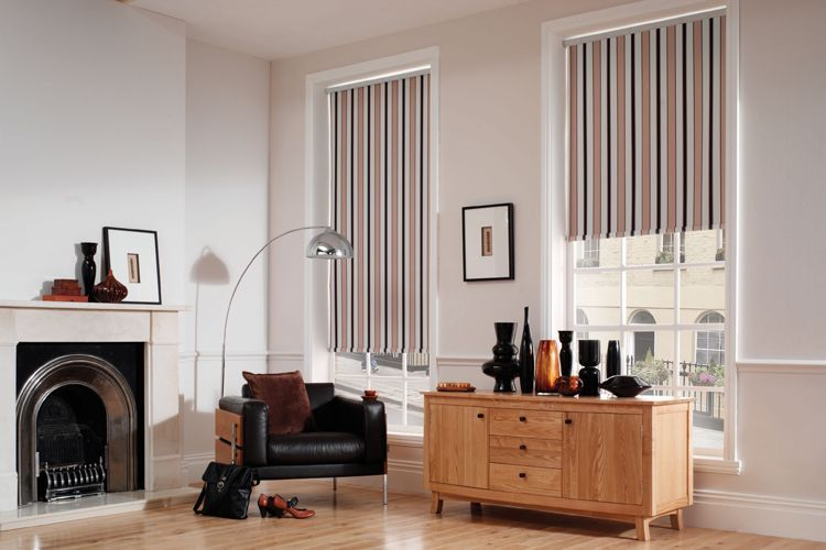roller blinds in lounge - image
